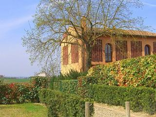 Cozy 2 bedroom House in Castelfiorentino with Deck - Castelfiorentino vacation rentals