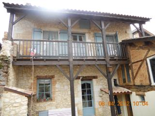 2 bedroom Townhouse with Internet Access in Villereal - Villereal vacation rentals