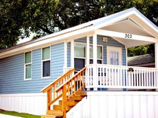 Lovely Two Bedroom Cottage in San Antonio - Lakehills vacation rentals