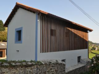 Beautiful Barn with Internet Access and A/C - Cudillero vacation rentals