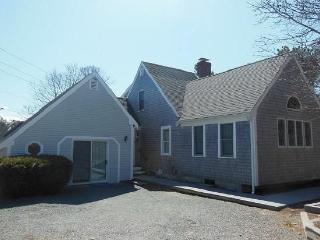 4 Bedroom, 2 Bath Wonderfully Spacious Home - Eastham vacation rentals