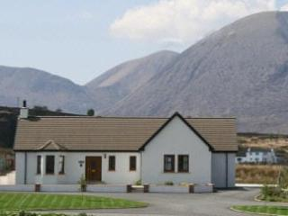 Bright 3 bedroom Broadford Bungalow with Internet Access - Broadford vacation rentals