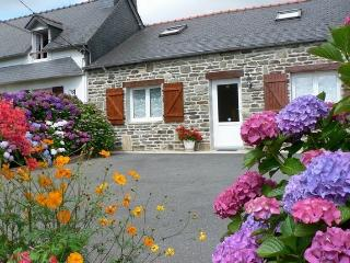 Cozy 3 bedroom House in Pleyben - Pleyben vacation rentals