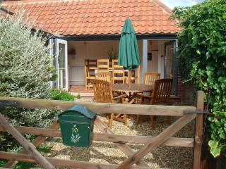 Nice 2 bedroom Cottage in Stiffkey - Stiffkey vacation rentals