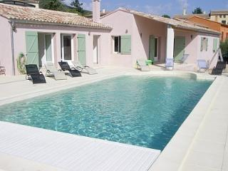 4 bedroom Villa with Internet Access in Rustrel - Rustrel vacation rentals
