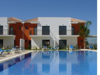 Beautiful 2 bedroom Pera Townhouse with Internet Access - Pera vacation rentals