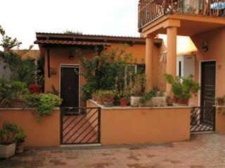 Le Casette del Borgo-Lemons - Rome vacation rentals