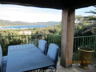 3 bedroom Villa with Satellite Or Cable TV in Cavalaire-Sur-Mer - Cavalaire-Sur-Mer vacation rentals