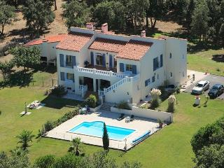 Bright 3 bedroom Argeles-sur-Mer Gite with Internet Access - Argeles-sur-Mer vacation rentals