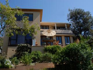 'Cooge Art House' - Top Level - Coogee vacation rentals