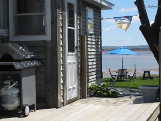 Oceanfront Cottage in Kingsport Nova Scotia - Wolfville vacation rentals