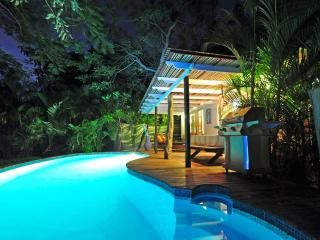 Charming Beachfront Home with pool & jacuzzi - Playa Junquillal vacation rentals