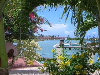 Perfect 2 bedroom Villa in Jolly Harbour with Internet Access - Jolly Harbour vacation rentals