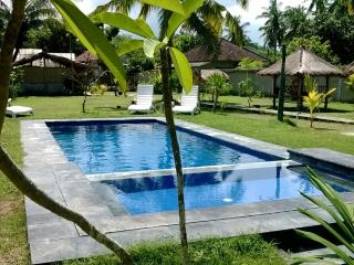 Heavenly ,Idyllic , relaxing rooms and garden - Kuta vacation rentals