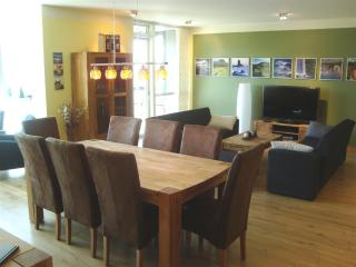 Cozy Reykjavik vacation Condo with Television - Reykjavik vacation rentals