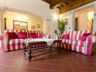 Fiorentine  Signoria Suite - Florence vacation rentals