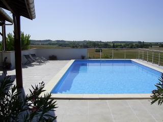 Luxury Countryside Private Pool Short Walk to Town - Monflanquin vacation rentals
