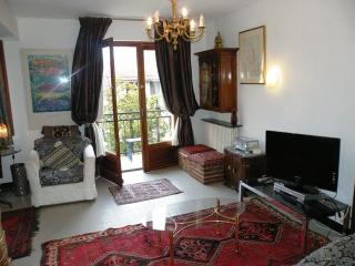 Quillan  Holiday  Apartment 3*Fab Central Location - Quillan vacation rentals