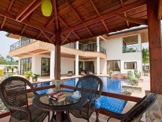 AMAZING 5 Bed Pool Villa with FREE Car - Pattaya vacation rentals