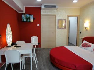 Monolocale - Dimora del Viaggiatore 2 - Verona vacation rentals