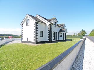 Perfect 7 bedroom House in Ballycastle - Ballycastle vacation rentals