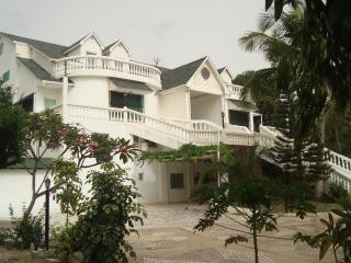 #7 Senegambia area.In Kerr serign,king bed - Kerr Serign vacation rentals
