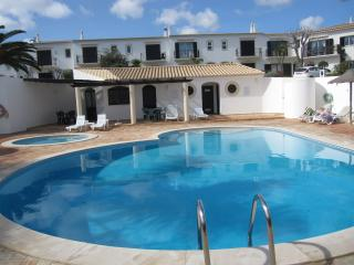 Comfortable 3 bedroom Villa in Figueira - Figueira vacation rentals