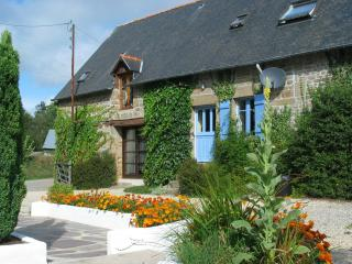 Lovely Gite with Internet Access and Satellite Or Cable TV - Parigne vacation rentals