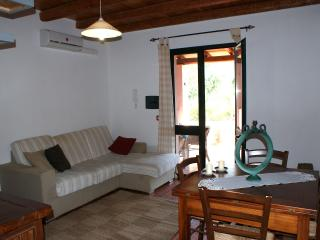 Cozy Guest house with Iron and Hair Dryer in Oristano - Oristano vacation rentals