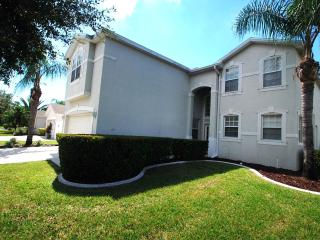 Halcyon Days, great location near to all amenities - Fort Myers vacation rentals