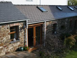 2 bedroom Cottage with Internet Access in Saundersfoot - Saundersfoot vacation rentals