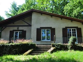 2 bedroom Gite with Television in Couze-et-Saint-Front - Couze-et-Saint-Front vacation rentals