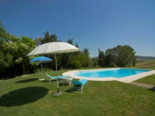 Grand villa in the Tuscan spa town of Saturnia with private terrace, gardens and pool - Saturnia vacation rentals