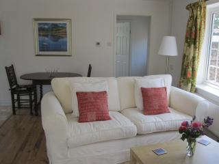 Perfect 1 bedroom Cottage in South Petherton with Dishwasher - South Petherton vacation rentals
