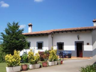 Nice Farmhouse Barn in Ribadesella with Internet Access, sleeps 4 - Ribadesella vacation rentals