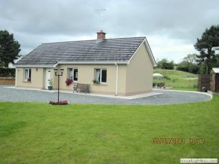 Comfortable 3 bedroom Omagh Cottage with Short Breaks Allowed - Omagh vacation rentals