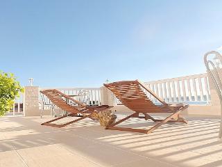 Villa Bonaca - luxury apartmen, sunny terrace - Baška vacation rentals