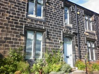 Wonderful Cottage with Internet Access and Dishwasher - Todmorden vacation rentals