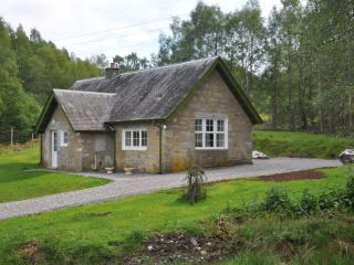 1 bedroom Cottage with DVD Player in Glenmoriston - Glenmoriston vacation rentals