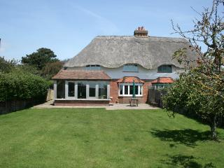 4 bedroom Cottage with Internet Access in West Wittering - West Wittering vacation rentals