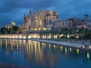 MODERN PALMA CENTER APARTMENT - Palma de Mallorca vacation rentals