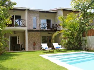 1 or 2 houses up to 12 persons, at 100m from the b - Las Terrenas vacation rentals