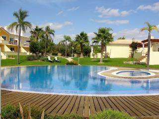 Lovely 4 bedroom Vilamoura Townhouse with Internet Access - Vilamoura vacation rentals