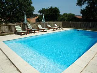 4 bedroom Villa in Cascastel, Cascastel, France : ref 2016788 - Villeneuve-les-Corbieres vacation rentals