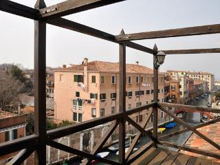 Apartment in Venice with Rooftop Terrace - Ambra - Venezia vacation rentals