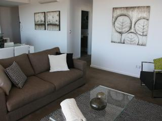 2 bedroom Condo with Internet Access in Perth - Perth vacation rentals