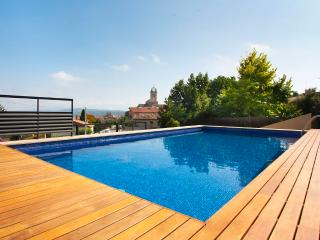 Sunny Penthouse with Internet Access and Central Heating - Castelltercol vacation rentals