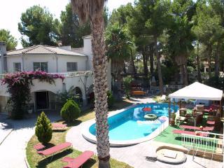 Nice Villa with Internet Access and Grill - L'Ametlla de Mar vacation rentals