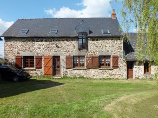 5 bedroom House with Satellite Or Cable TV in Le Ham - Le Ham vacation rentals