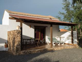 Cozy 3 bedroom Lajares House with Internet Access - Lajares vacation rentals